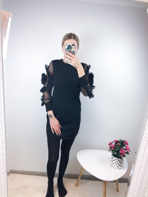 Must kleit roos varrukal
