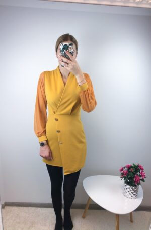 Kollane nööpidega kleit