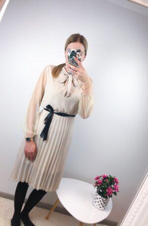 Beez plisseeritud seelikuosaga kleit