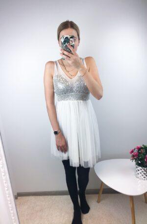 Valge tülliga kleit