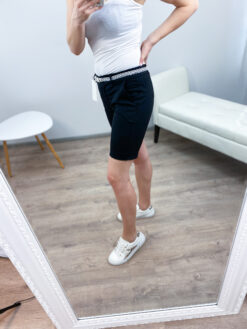 Vööga lühikesed püksid