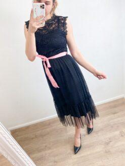 Midi pikkuses kleit